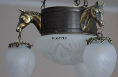 An original and beatiful chandelier in the shape of Arabian horses heads